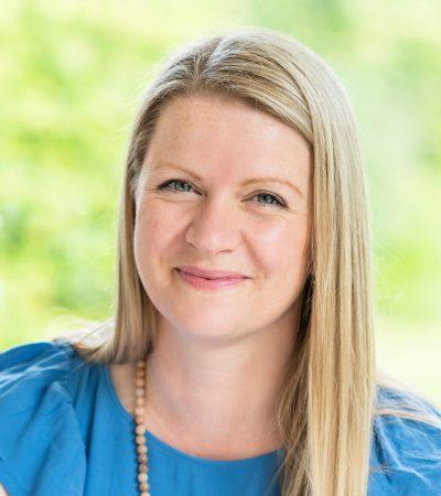Dr Emily Knott
